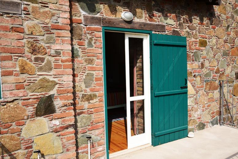 Traditional Garden Room - Courtyard