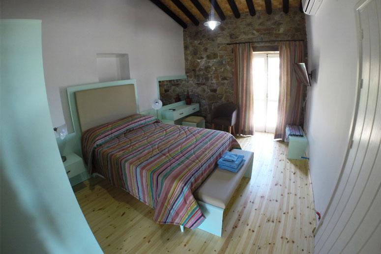 Traditional Garden Room - Bedroom